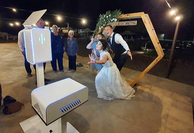 wedding-photo-booth-backdrop